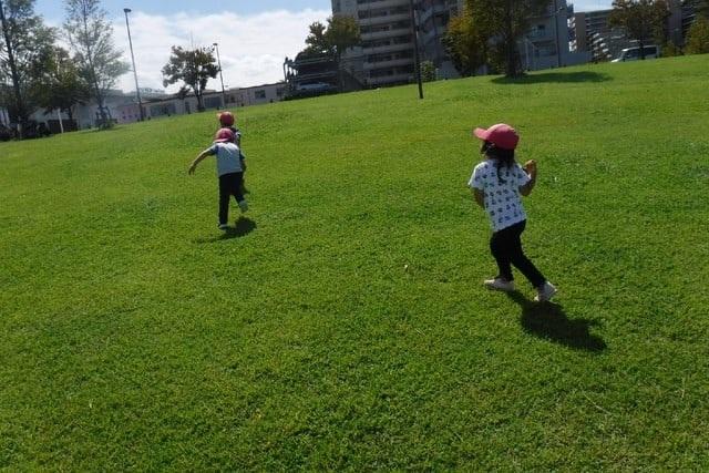 公園へ散歩 レイクタウン 保育園